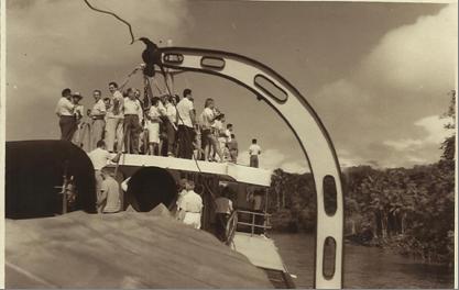 Participantes à bordo do navio Jari para o VIII Congresso Brasileiro de Ciência do Solo realizado em Belém, Pará no ano de 1961. (Foto: cortesia de Luiz Bezerra de Oliveira).